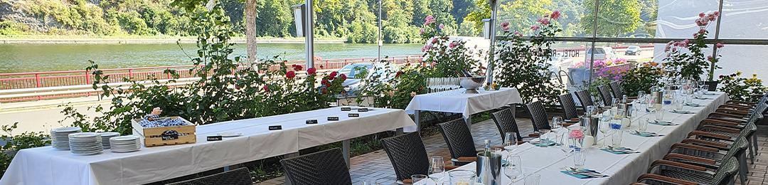 Hotel Moseltal Terrasse und Rosengarten